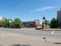 Elabuga, Stroiteley st, 房屋 19. 商店