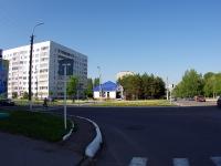 Елабуга, Мира проспект, дом 20. магазин