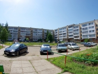 Elabuga, Neftyanikov avenue, house 13. Apartment house