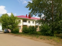 Elabuga, Neftyanikov avenue, house 49. Apartment house