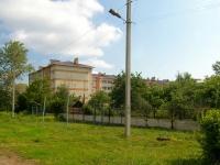 Elabuga, Neftyanikov avenue, 房屋 111В. 公寓楼