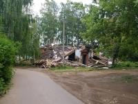 Elabuga, st Zemlyanukhin, house 8. dangerous structure