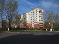 Нижнекамск, улица Менделеева, дом 12. многоквартирный дом
