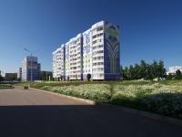 Нижнекамск, Шинников проспект, дом 15. многоквартирный дом