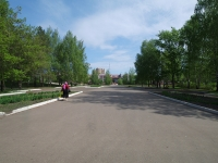 Nizhnekamsk, square Lemaev. public garden