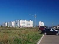 Нижнекамск, улица Рифката Гайнуллина, дом 8. многоквартирный дом
