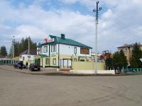 Нурлат, улица Заводская, дом 1/2. магазин