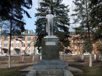 Нурлат, улица Заводская. памятник В.И. Ленину