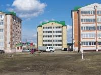 Нурлат, улица Кариева. многоквартирный дом