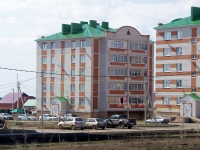 Нурлат, улица Халикова, дом 44. многоквартирный дом