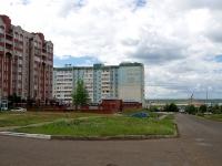 Набережные Челны, улица Комсомольская Набережная, дом 30. многоквартирный дом