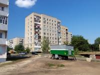 Naberezhnye Chelny, Naberezhnaya Gabdully Tukaya st, house 49. Apartment house