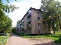 neighbour house: alley. Avtomobilistov, house 6. Apartment house