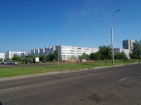 Naberezhnye Chelny, Druzhby Narodov avenue, house 44/45. Apartment house