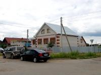 Набережные Челны, улица Гагарина, дом 48. индивидуальный дом