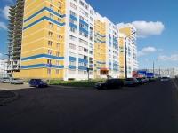Набережные Челны, улица Ильдара Маннанова, дом 8. многоквартирный дом