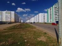 Набережные Челны, улица Раскольникова. Вид на улицу