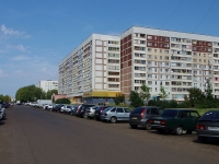 neighbour house: avenue. Moskovsky, house 142. Apartment house