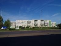 Naberezhnye Chelny, Moskovsky avenue, 房屋 183. 公寓楼