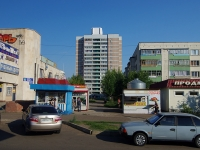 Naberezhnye Chelny, Molodezhny blvd, house 1. Apartment house