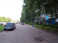 Naberezhnye Chelny, Syuyumbike Ave, house 17. Apartment house