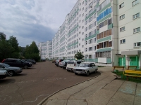 Naberezhnye Chelny, Vakhitov avenue, house 27. Apartment house