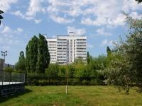 Набережные Челны, Юных Ленинцев бульвар, дом 12. многоквартирный дом