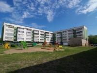 Набережные Челны, Романтиков бульвар, дом 3. многоквартирный дом