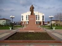 Чистополь, улица Ленина. памятник В.И. Ленину