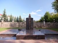 neighbour house: st. Oktyabrskoy Revolyutsii. monument Пожарным, погибшим при исполнении служебного долга
