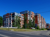 , st Pirogov, house 4 к.2. Apartment house
