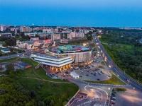 """Чебоксары, Президентский бульвар, дом 20. торгово-развлекательный комплекс """"Каскад-Сити"""""""