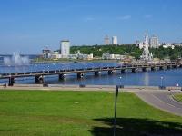 Президентский бульвар. мост Пешеходный через Чебоксарский залив