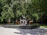 Барнаул, улица Юрина. памятник В.М. Шукшину