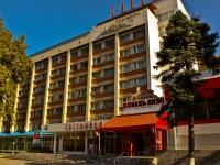 克拉斯诺达尔市, 旅馆 Кавказ, Krasnaya st, 房屋 174