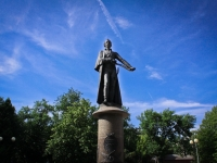 Краснодар, памятник А.В. Суворовуулица Октябрьская, памятник А.В. Суворову