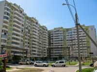 克拉斯诺达尔市, Akademik Lukyanenko st, 房屋 103. 公寓楼