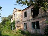 Краснодар, улица Школьная, дом 1. неиспользуемое здание