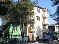 Геленджик, улица Вишневая, дом 1Б. многоквартирный дом