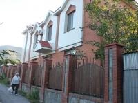 Геленджик, улица Горького, дом 32. многоквартирный дом
