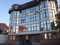 Gelendzhik, Gorky st, house 68. Apartment house