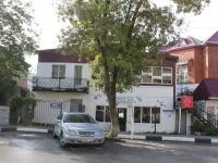 Геленджик, улица Островского, дом 158А. многофункциональное здание