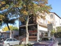 Геленджик, улица Толстого, дом 3. многоквартирный дом