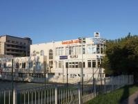 Геленджик, улица Толстого, дом 21А. офисное здание