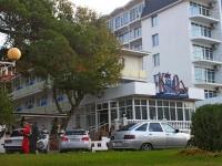Геленджик, улица Революционная, дом 33. гостиница (отель)