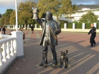 Геленджик, Лермонтовский бульвар. скульптура Старый маячник