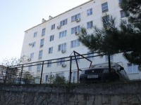 Gelendzhik, Kalinin st, house 1. Apartment house
