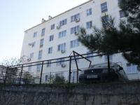 Геленджик, улица Калинина, дом 1. многоквартирный дом