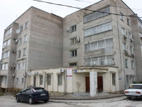 Gelendzhik, Kalinin st, house 33. Apartment house