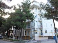格连吉克市, Krasnogvardeyskaya st, 房屋 77. 公寓楼